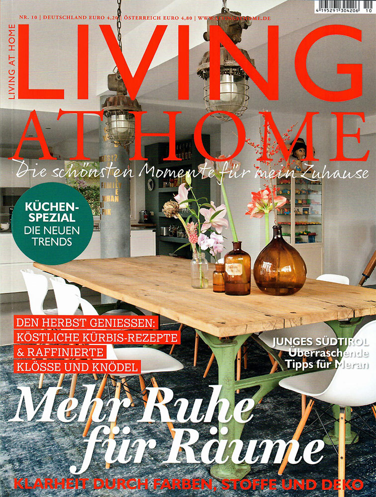Titel der Living at Home Nr. 10